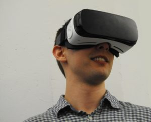 virtual-reality-1389032_1280